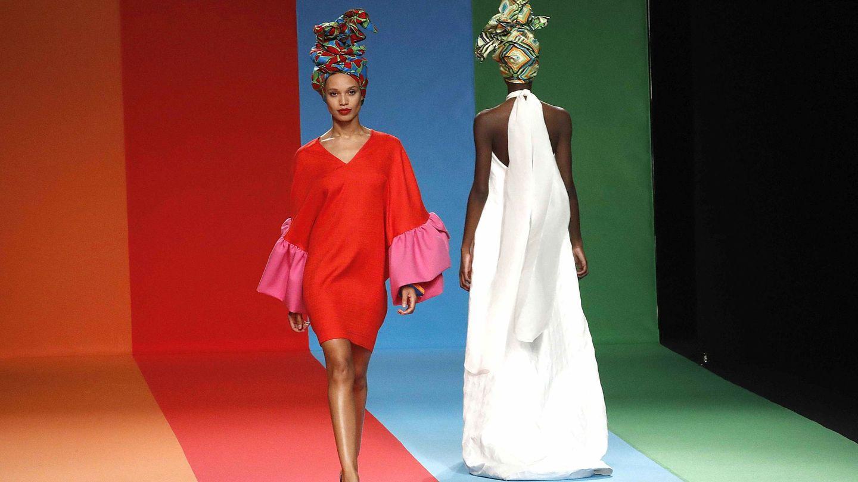 Desfile de su colección en la Mercedes-Benz Fashion Week Madrid. (EFE)