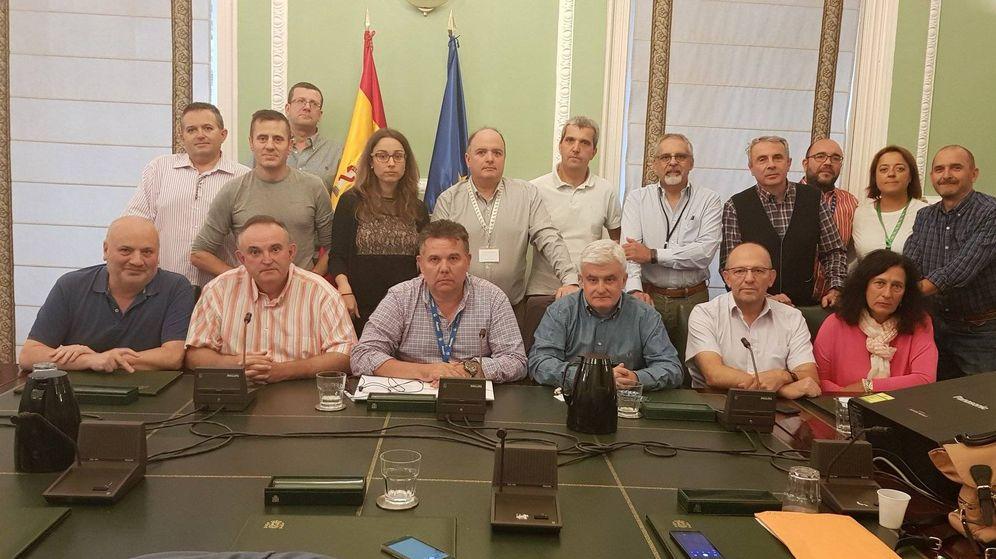 Foto: Los representantes sindicales de prisiones encerrados en el Ministerio del Interior. (Acaip)