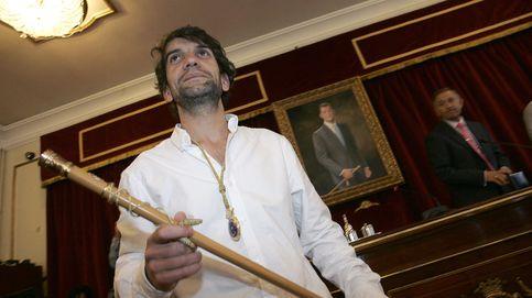 Ferrol retirará el busto del rey Juan Carlos I de la fachada del Ayuntamiento