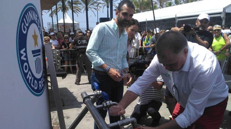 Chicles, batidos y 9.800 litros de gazpacho: los récords Guinness más curiosos del año