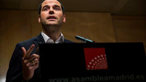 Operación candidato: el máster de Cifuentes salva a Aguado y le confirma para 2019