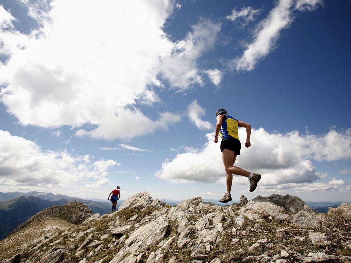 Foto: Las carreras de montaña deben respetar la naturaleza (EFE)