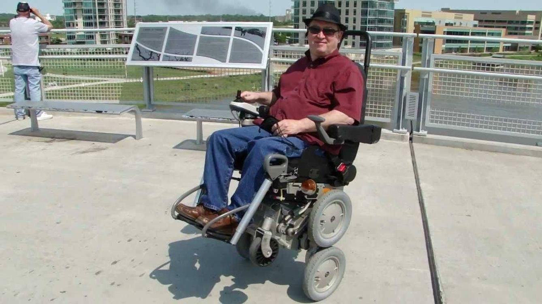 'Todoterreno' y asequible: el creador del Segway reinventa la silla de ruedas