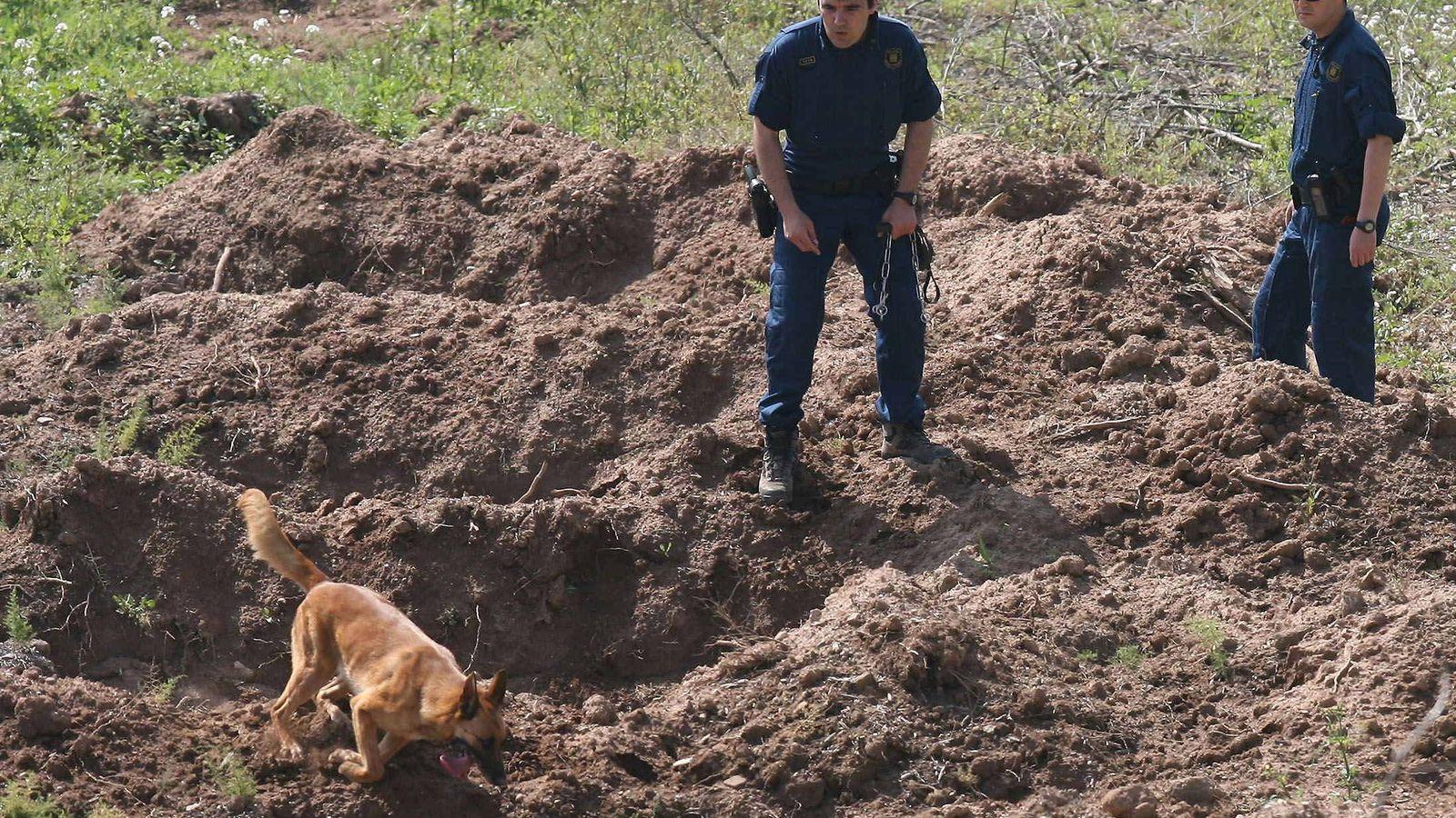 Foto: Imagen de archivo de los Mossos d'Esquadra en una operación policial. (EFE)