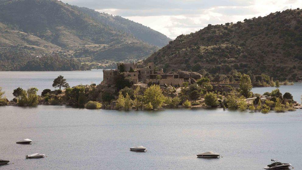 Se vende isla privada en Ávila de 10.000 metros cuadrados... con castillo incluido