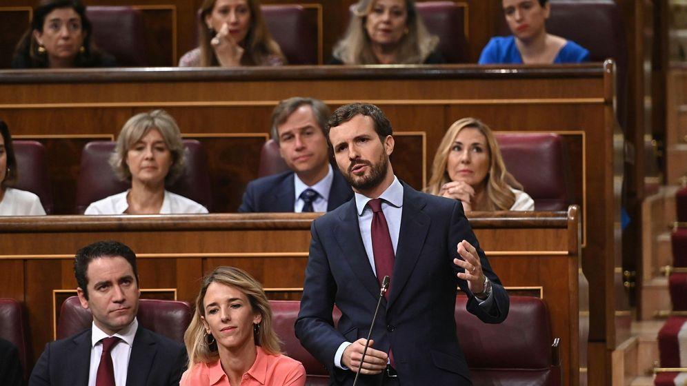 Foto: El líder del PP, Pablo Casado, durante su intervención en la segunda y última sesión de control de esta legislatura. (EFE)