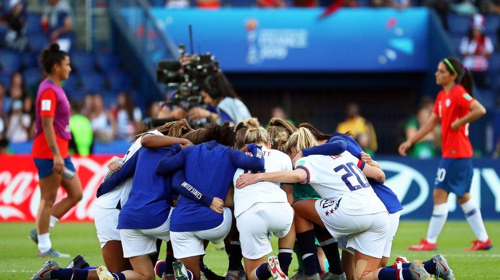 Foto: Las jugadoras de Estados Unidos celebrando una victoria tras un encuentro del Mundial.