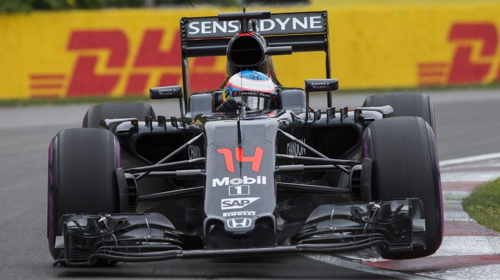 Foto: Fernando Alonso durante la prueba del GP de Canadá (EFE).