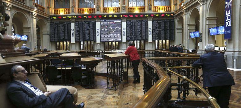 Foto: La rebaja en las previsiones de Bruselas provoca que el Ibex pierda los 9.800 puntos
