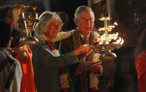 Investigan las cuentas del príncipe Carlos en plena experiencia mística