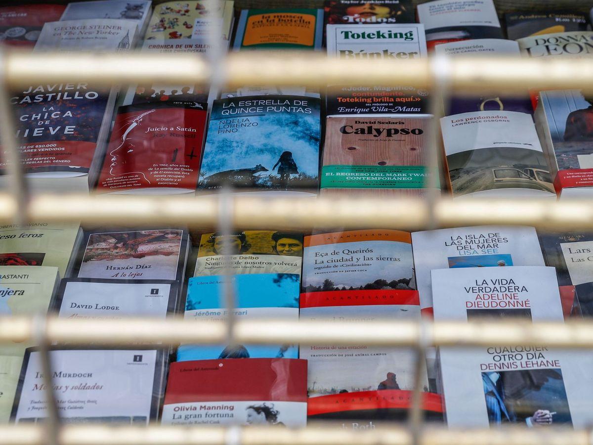 Foto: El escaparate de una librería cerrada. (Efe)