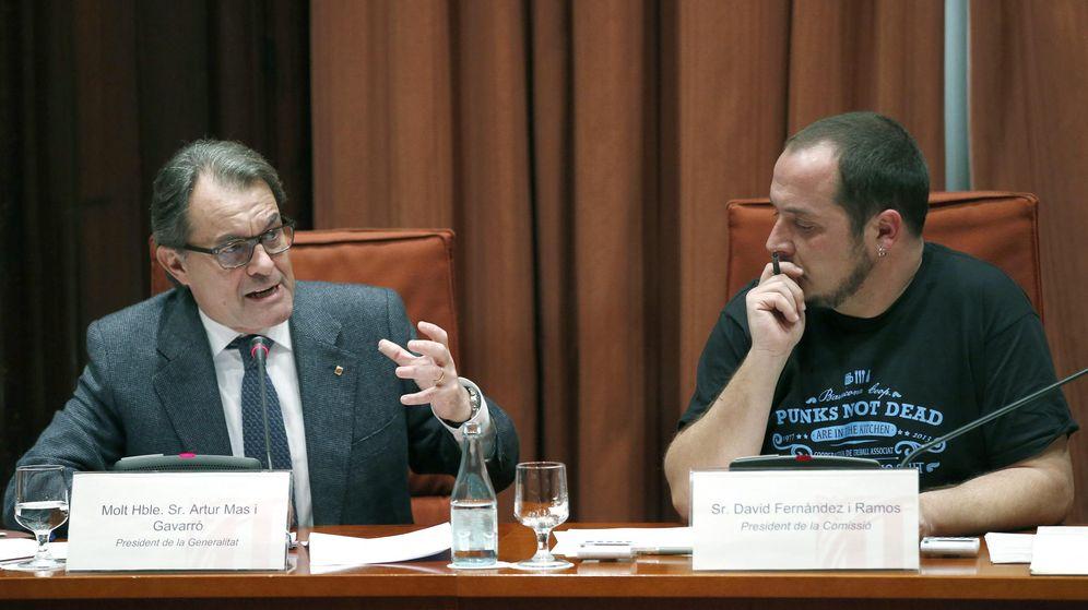 Foto:  El presidente de la Generalitat, Artur Mas (i), acompañado del presidente de la CUP David Fernández (Efe)