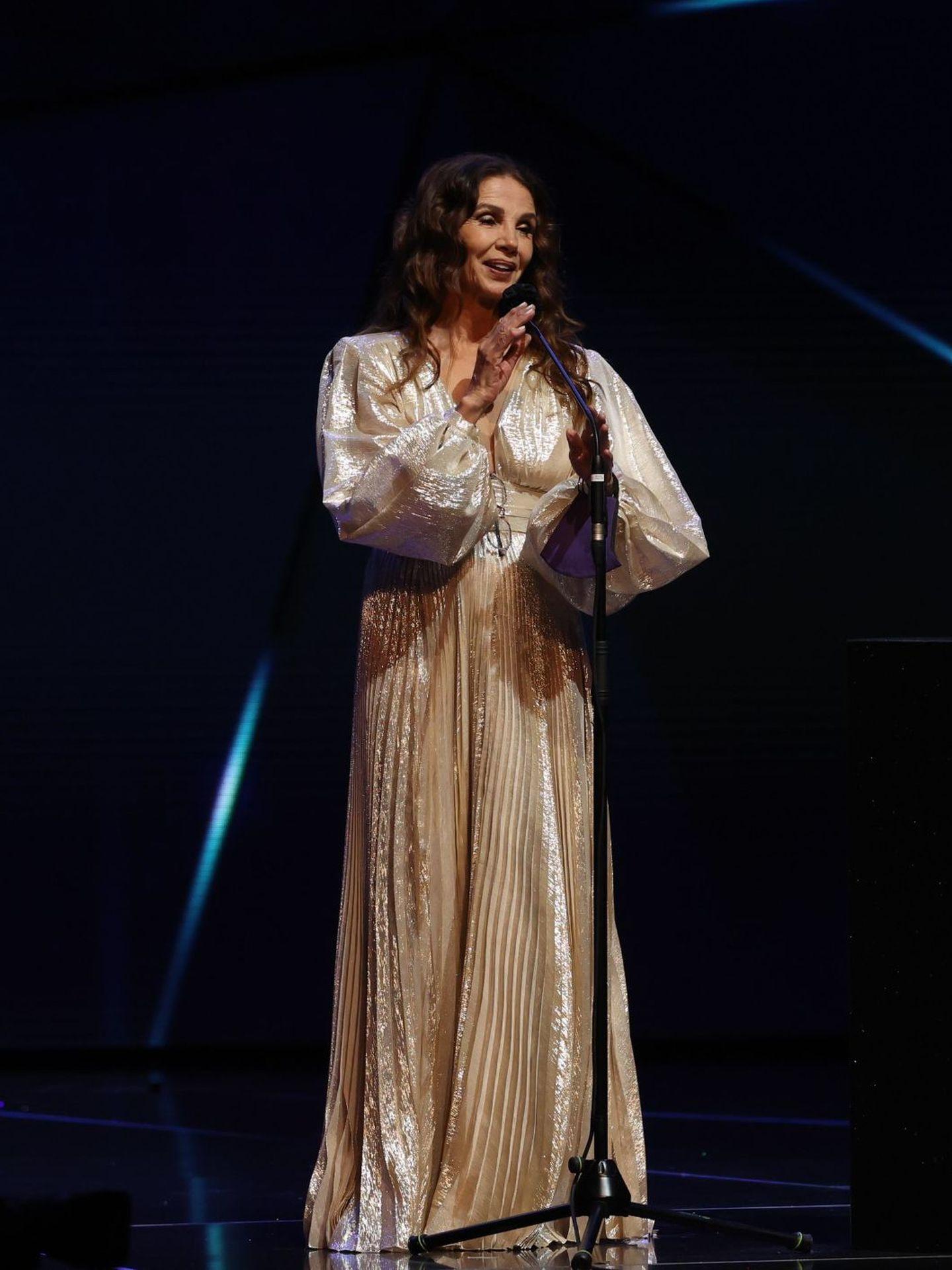 La actriz Victoria Abril, tras recibir el Premio Feroz de Honor 2021. (EFE)