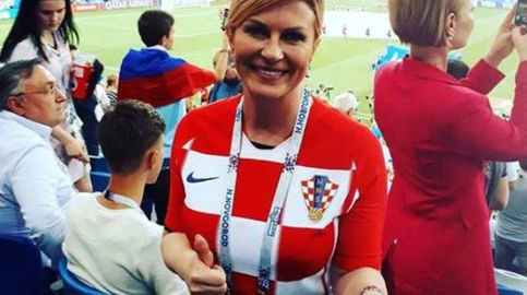 La presidenta de Croacia, la 'aficionada' que se quita sueldo por animar a su país