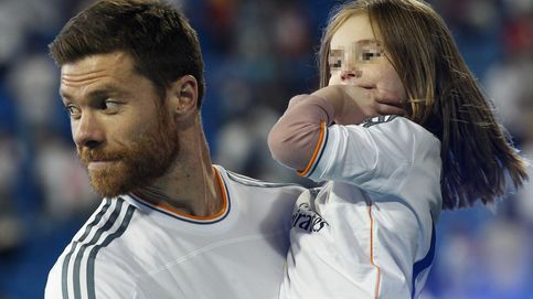 La hija de Xabi Alonso lleva Pocoyó a sus 10 millones de seguidores de Twitter