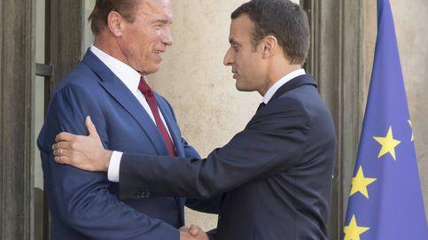 Arnold Schwarzenegger le hace la pelota a Macron en un vídeo y se hace viral