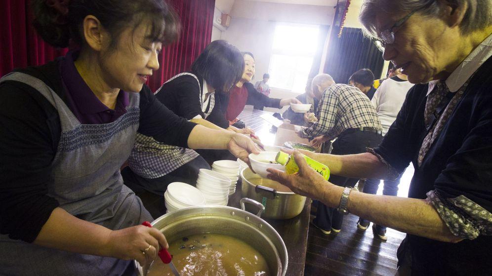 Foto: Las personas mayores apenas tienen recursos en Japón (EFE EPA/Everett Kennedy Brown)