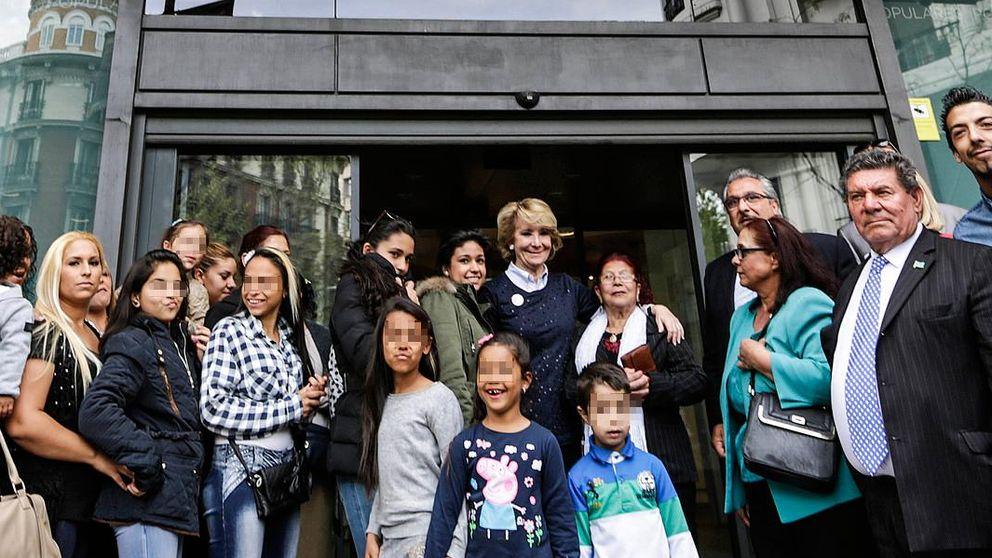 Esperanza Aguirre se cita con los gitanos de Madrid en Génova
