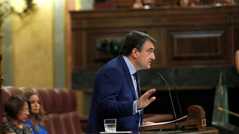 El PNV se abstiene y urge al PSOE a elegir el bloque de la moción o ir a elecciones