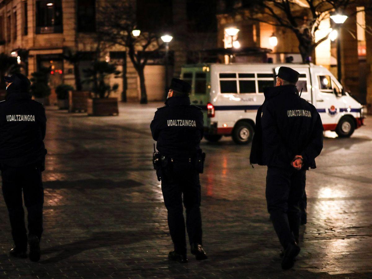 Foto: Policía en San Sebastián. (EFE)