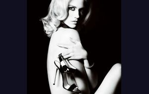 January Jones se desnuda para Versace