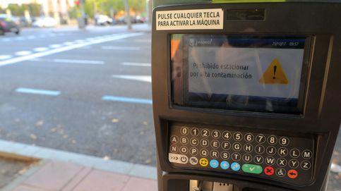 Madrid mantiene para el viernes el protocolo de contaminación que prohíbe aparcar