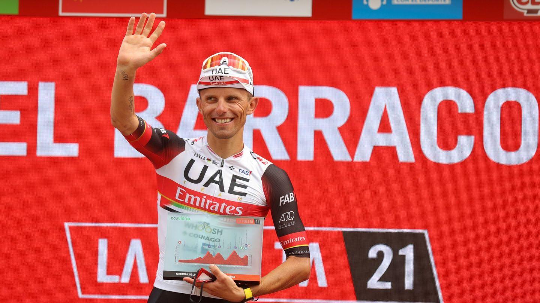 Rafal Majka celebra su victoria en la 15º etapa. (EFE)