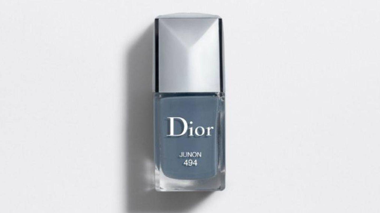 Esmalte azul denim de Dior.
