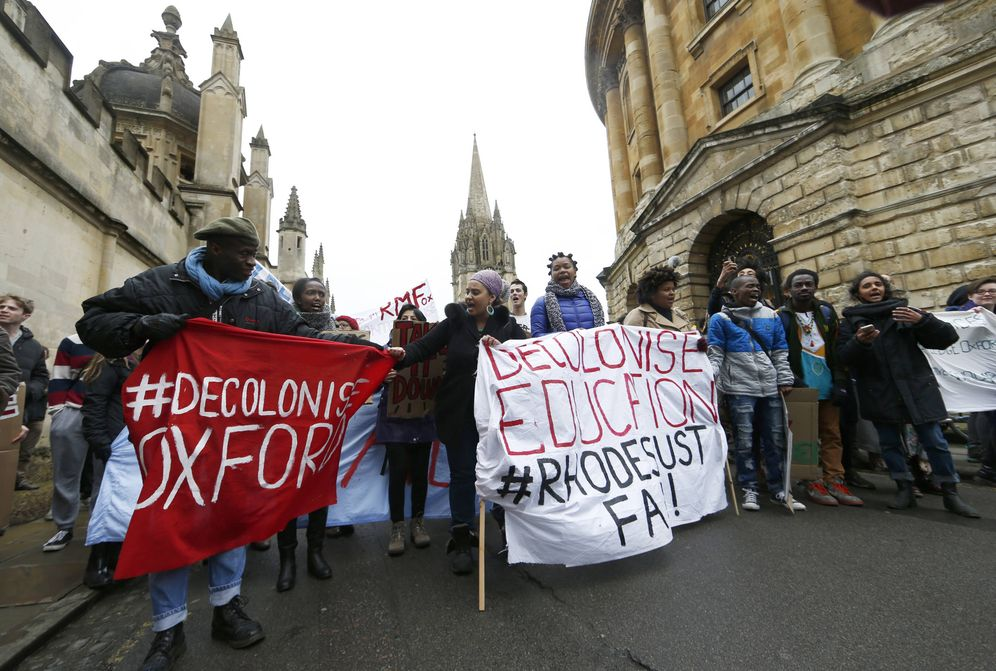 Foto: Estudiantes de origen extranjero protestan en Oxford, en marzo de 2016. (Reuters)