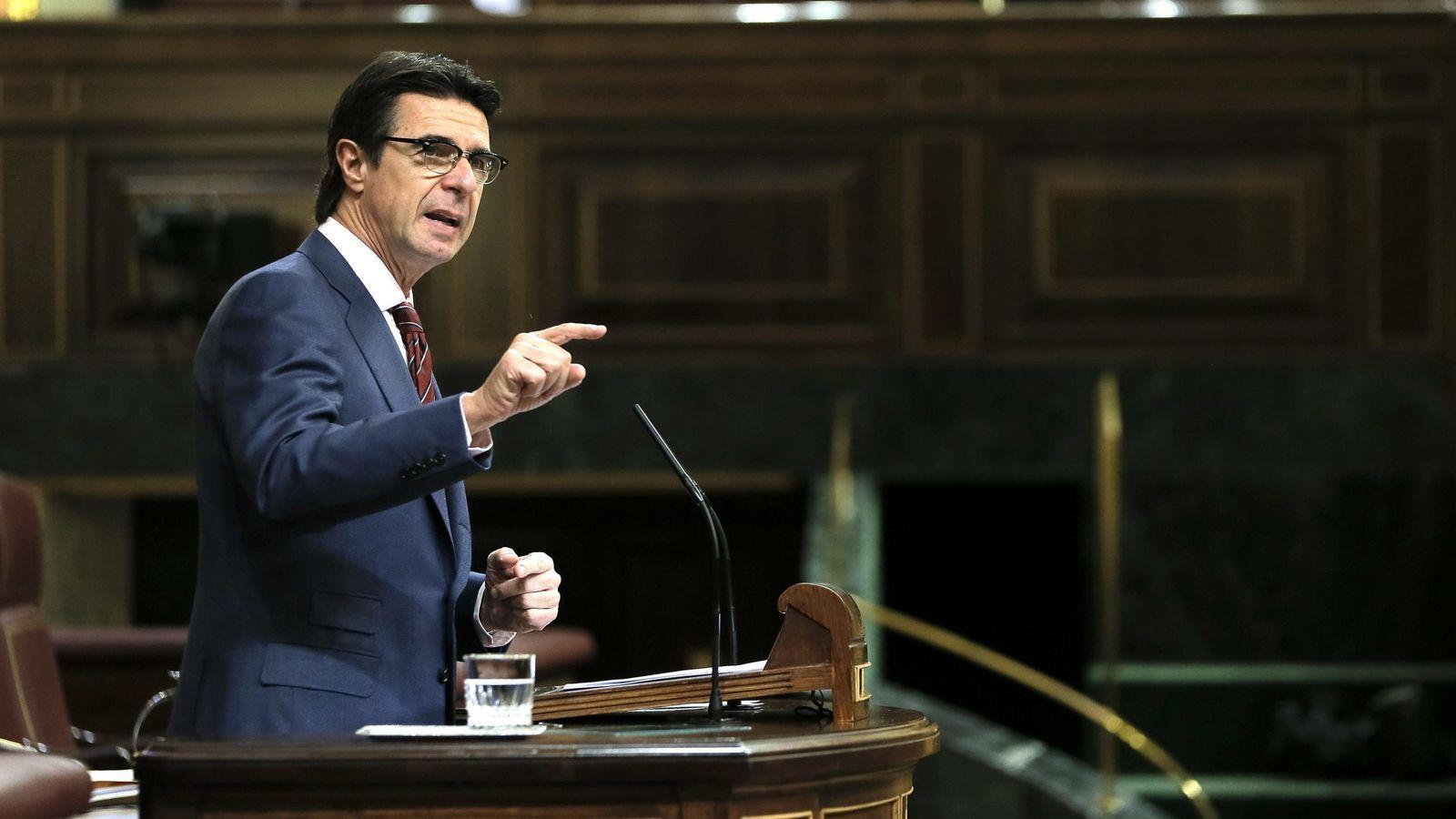 Foto: El ministro de Industria, José Manuel Soria, en el pleno del Congreso. EFE