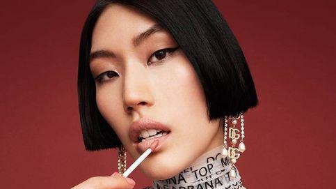 Dolce & Gabbana quiere que vuelvas a maquillarte y teñirte el pelo como en los 90