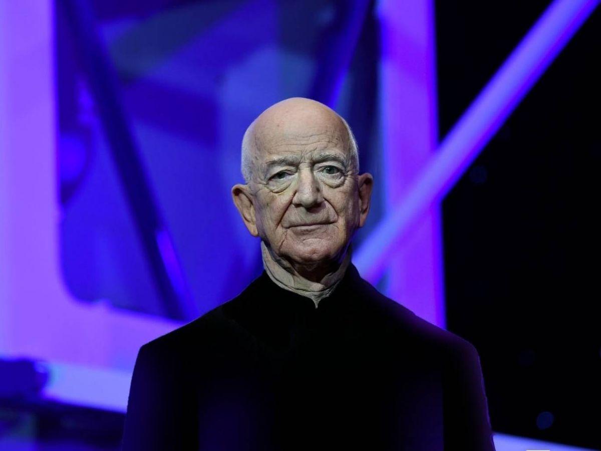 Foto: Jeff Bezos, fundador de Amazon, en 2121. (Montaje Reuters/FaceApp)