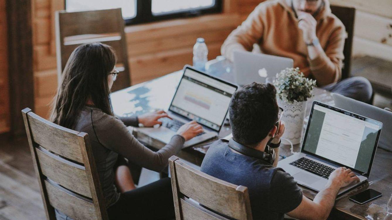 Tu empresa está en la nube: cuatro ventajas de trabajar lejos de la oficina