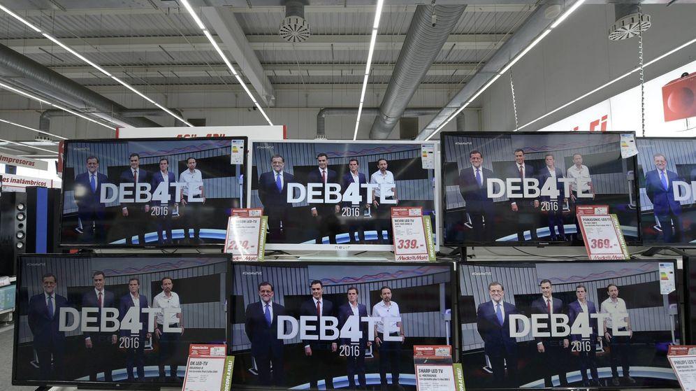 Foto: Imágenes del debate a cuatro, emitido por las principales cadenas de televisión. (Reuters)