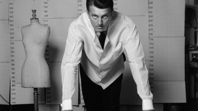 Hubert de Givenchy, en su atelier.