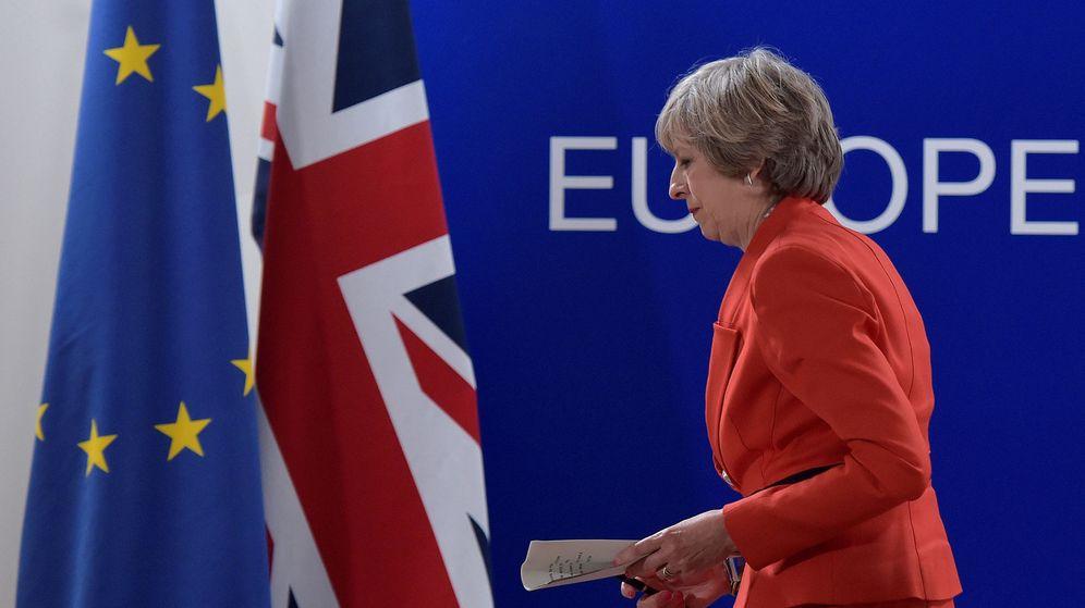 Foto: La primera ministra del Reino Unido en una conferencia en Bruselas. (Reuters)