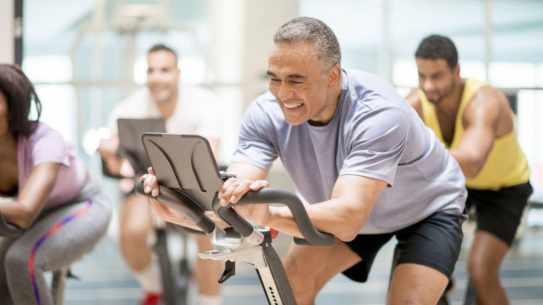 Bici en el gimnasio. (iStock)