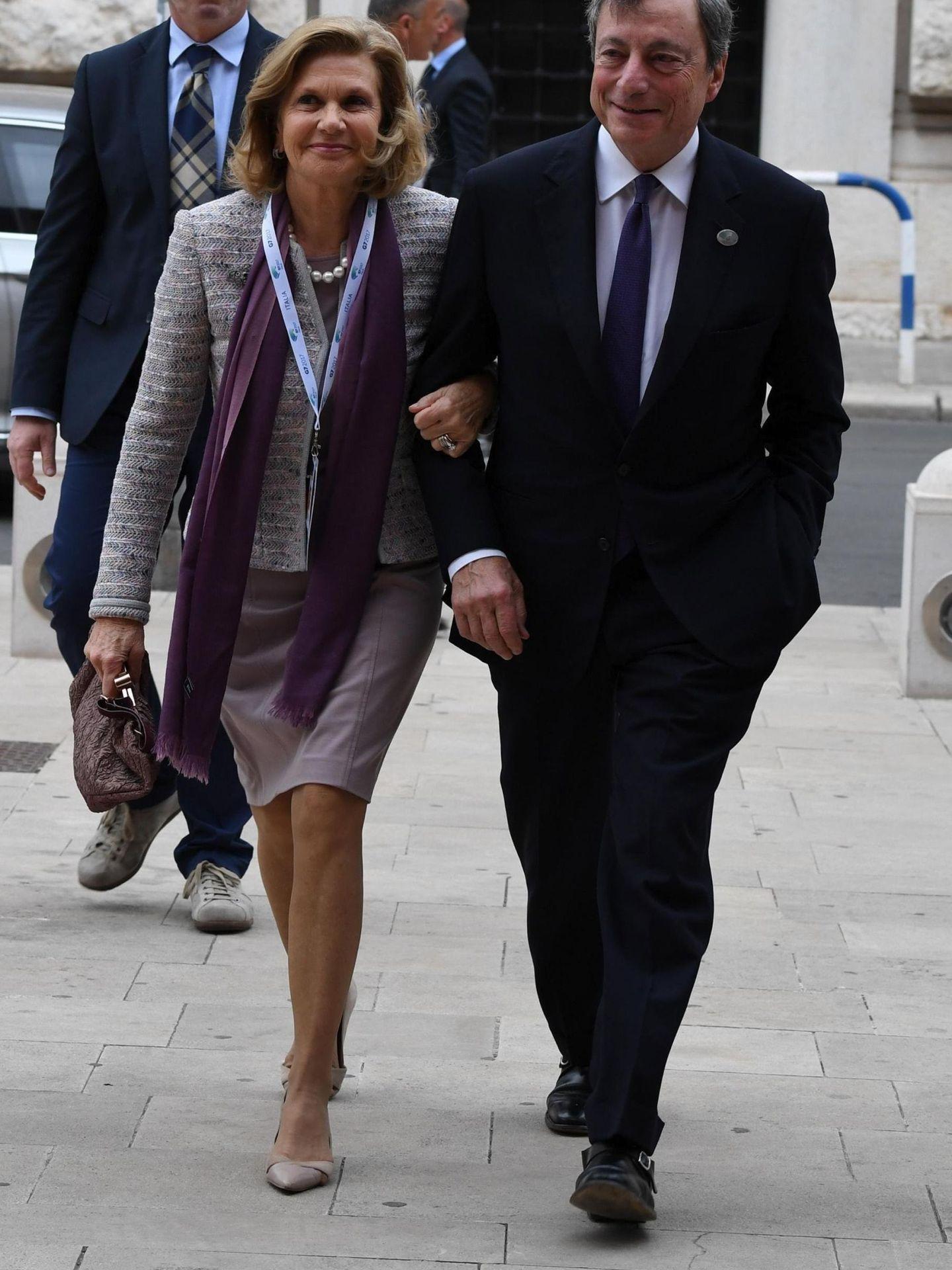 Mario Draghi y su mujer, Serena. (EFE)