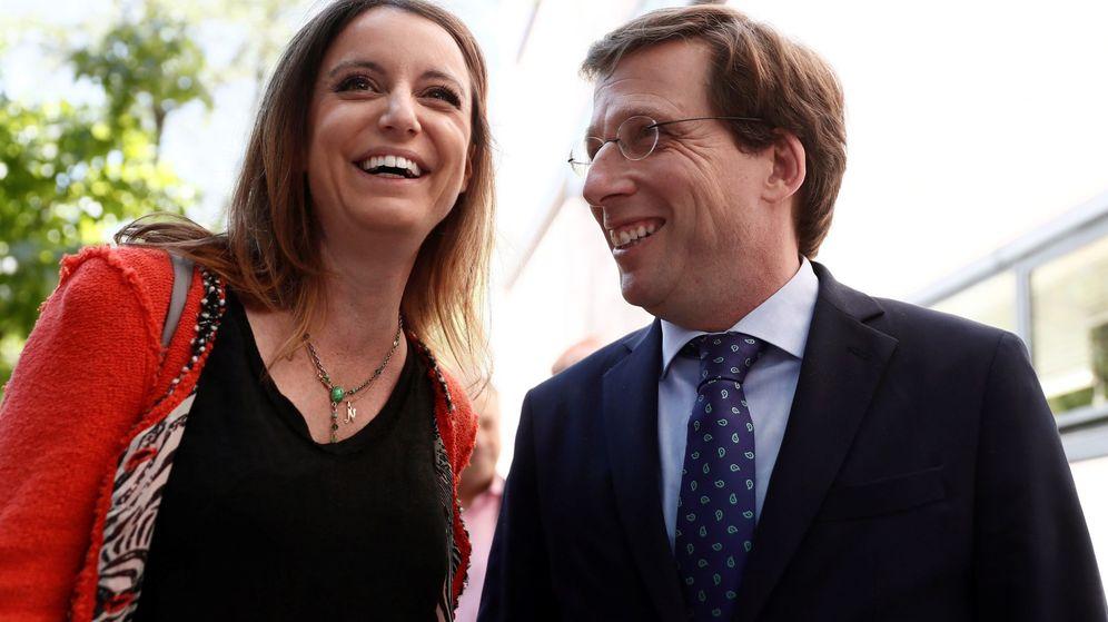 Foto: Andrea Levy y José Luis Martínez Almeida. (EFE)
