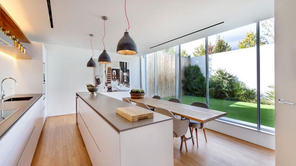 Decoraci n c mo combinar lo moderno con lo vintage en for Cocinas abiertas al pasillo