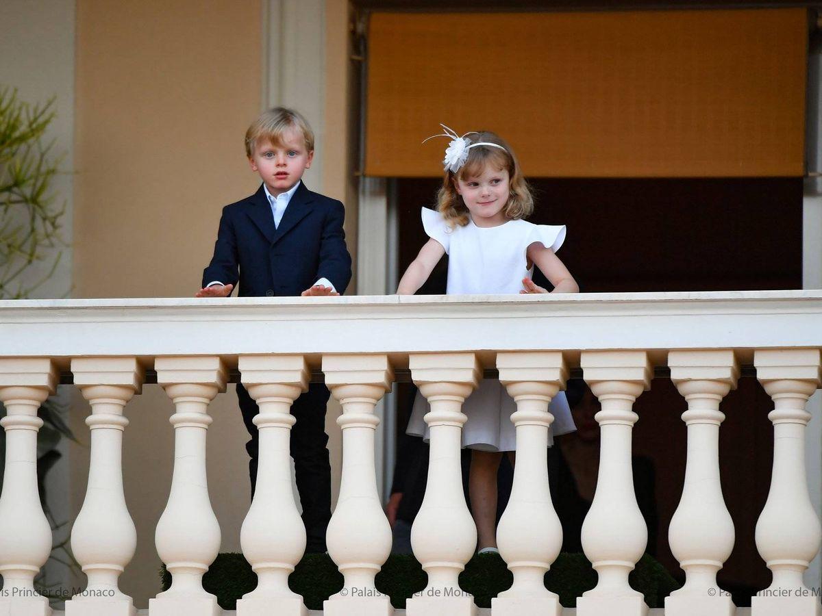 Foto: Jacques y Gabriella, en el balcón de palacio. (Palais Princier)