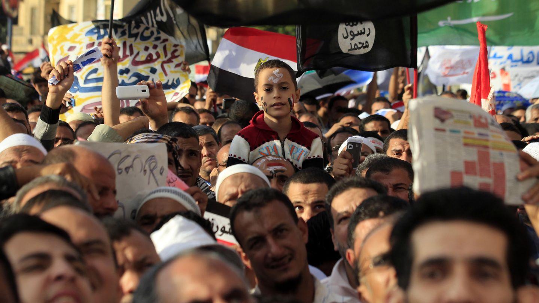 Salafistas piden la consolidación de la 'Sharia' en una marcha en El Cairo (Reuters).