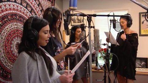 Las Kardashian se ríen de los años de juventud de su madre por su cumpleaños