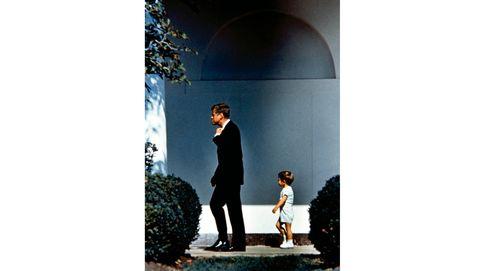 Los famosos y sus hijos: de Kennedy y McCartney al polémico Onassis