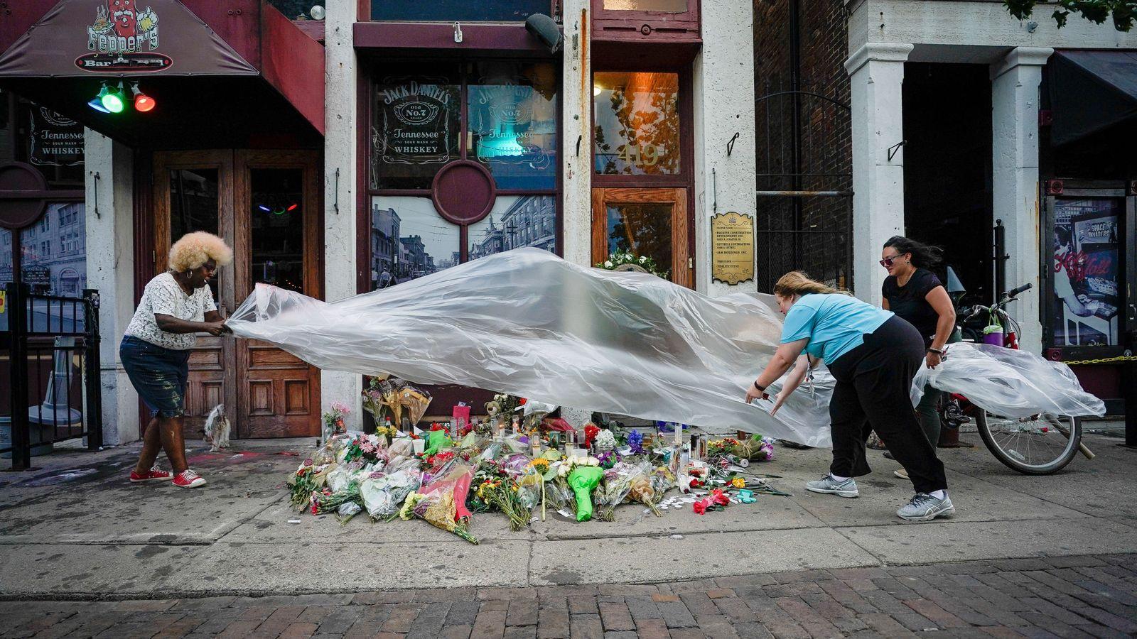 Foto: Un memorial para las víctimas. (Reuters)