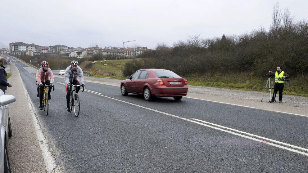 La DGT baja la velocidad en las carreteras con más circulación de bicicletas