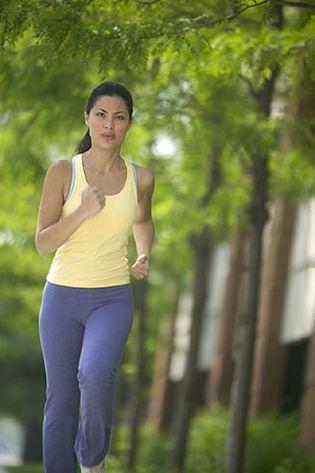 Foto: Dos horas y media de ejercicio a la semana para cuidar la salud