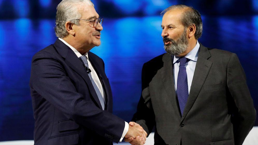 Foto: El nuevo presidente de Endesa, Juan Sánchez-Calero (derecha), y el consejero delegado, José Bogas. (EFE)