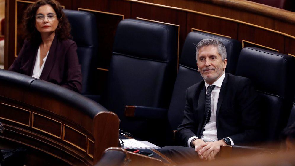 Foto: El ministro del Interior, Fernando Grande-Marlaska, en la primera sesión de control al Gobierno durante el estado de alarma, el pasado 15 de abril. (EFE)