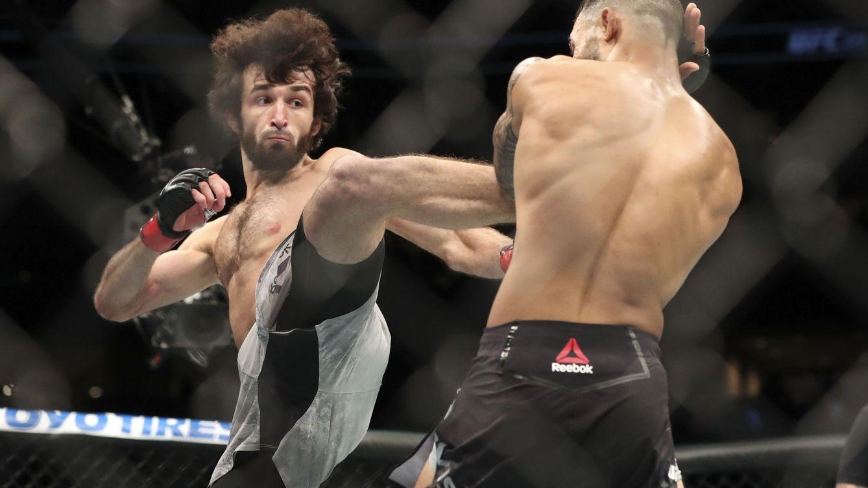 Foto: Zabit Magomedsharipov (i) en una pelea anterior. (USA TODAY Sports)